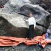 Mineros desentierran un enorme jade de 175 toneladas